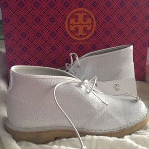 NWT Tory Burch Bergen Crackled Leather Boot Sz. 7